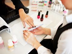 Nail Salon Exposé: How to Make Sure You're Getting an Ethical Mani (While New York Works to Regulate the Salons) http://stylenews.peoplestylewatch.com/2015/05/11/new-york-times-nail-salon-expose/
