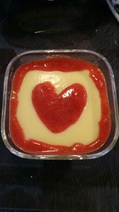 Vanillepudding mit selbstgemachter Erdbeersoße