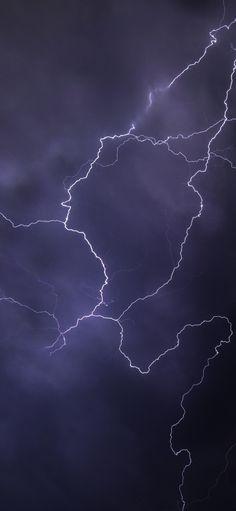 Dark Purple Aesthetic, Black Aesthetic Wallpaper, Sky Aesthetic, Aesthetic Iphone Wallpaper, Aesthetic Wallpapers, Iphone Background Wallpaper, Dark Wallpaper, Galaxy Wallpaper, Storm Pictures