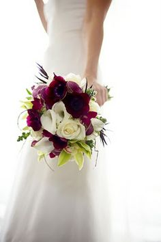 This bouquet is so lovely and beautiful #beautiful #weddingflowers #bouquet #flowers