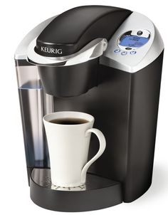Keurig Coffeemaker | Fill the water reservoir about halfway with vinegar. Run a cycle through without adding a filter or k-cup. Then run two cycles of water through to get rid of the vinegar taste/smell. Single Cup Coffee Maker, Best Coffee Maker, Single Serve Coffee, Coffee Maker Reviews, Home Brewing, Kitchen Gadgets, Kitchen Stuff, Kitchen Appliances, Vinegar
