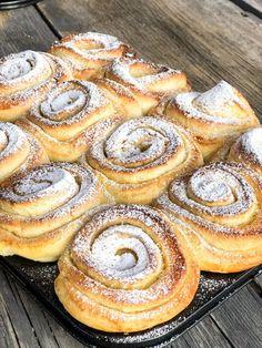 Citronbullar – Niiinis Kitchenlife Baking Recipes, Dessert Recipes, Tasty, Yummy Food, Sweet Pastries, Swedish Recipes, Sweet Bread, Food Inspiration, Love Food
