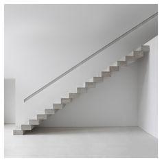 http://minimalo.co/post/142182921679/styletaboo-borja-garcía-gandía-blasco-house