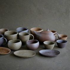jurgen-lehl-for-babaghuri: Very slightly glazed pottery made from three different kinds of clay. Glazes For Pottery, Ceramic Pottery, Glazed Pottery, Ceramic Teapots, Ceramic Cups, Fired Earth, Pottery Making, Ceramic Design, Artisanal