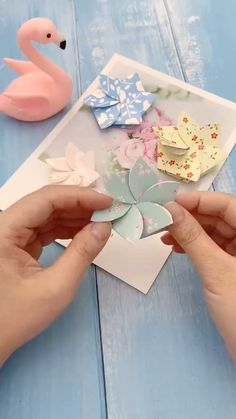 Cool Paper Crafts, Paper Flowers Craft, Paper Crafts Origami, Origami Art, Flower Crafts, Diy Paper, Diy Crafts Hacks, Diy Crafts For Gifts, Diy Arts And Crafts