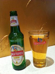 These Are The Most Popular Beers Around The World Drinking Book, Kingfisher Beer, Most Popular Beers, Galaxy Pictures, Lager Beer, Cigars And Whiskey, Beer Bottle, Alcohol, Drinks