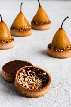 Mini Cakes, Caramel Apples, Cheesecake, Food And Drink, Baking, Fruit, Sweet, Stone, Brioche