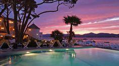 Watch the colors combine in the sky on the beach! Résidence de la Pinède, Provence-Alpes-Côte d'Azur, France #SunSandSea