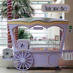 ¡Llegaron los Macarons a El Retiro!  Conoce el nuevo stand de los tradicionales dulces franceses elaborados a base de harina de almendra y crema de almendras en su interior. ¡Los encuentras de muchos colores y sabores!