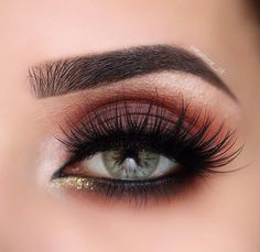 Matte brown warm toned Eyeshadow look with glitter gold inner corner