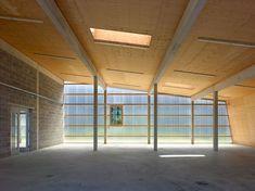 bunq architectes clads multipurpose building in polycarbonate