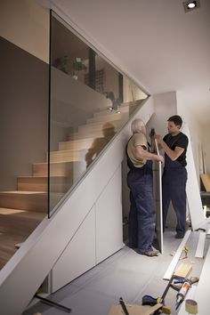 Staircase on the spot Modern Stairs location Cupboard spot Staircase stelle trep Staircase on the spot Modern Stairs l . Ineke trap Staircase on th Staircase Storage, House Staircase, Stair Storage, Staircase Remodel, Home Stairs Design, Interior Stairs, Home Interior Design, Stair Design, Modern Stairs Design