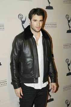 All the Insider Info You've Ever Wanted to Know About Revenge! Revenge Cast, Revenge Tv Show, Josh Bowman, Revenge Fashion, Gay, Celebs, Celebrities, Gorgeous Men, Movies And Tv Shows