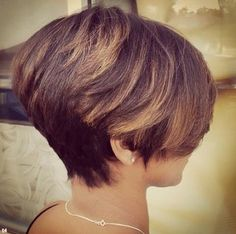 30 Latest Short Hairstyles for Winter 2020 - Best Winter Haircut Ideas - PoPular Haircuts Popular Short Haircuts, Latest Short Hairstyles, Modern Haircuts, Cute Hairstyles For Short Hair, Winter Hairstyles, Short Hair Cuts, Short Hair Styles, Easy Hairstyles, Stacked Hairstyles