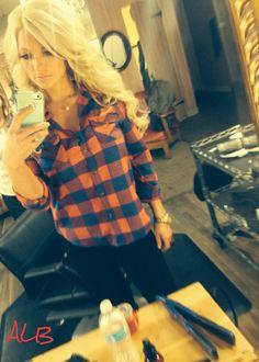 Long blonde hair with loose curls!! ;) - Amanda Briseno