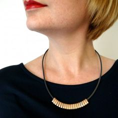 Such a simple and quick DIY necklace with maximum style and a minimalist edge!