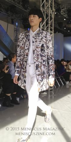 A nature-designed jacket by #ME:YOOMI #Spring2016 Seoul Fashion Week. Source: Meniscus Magazine (photo by Rex Baylon / Meniscus Magazine). http://www.meniscuszine.com/articles/2015101936917/meyoomi-spring-2016-seoul-fashion-week/