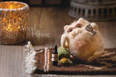 Felted Cat Art Doll Needle Felting Animal Wool Sculpture Miniature Doll Eco-friendly cat figurine Funny Beige Cat