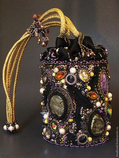 women handbags and purses Vintage Purses, Vintage Bags, Vintage Handbags, Unique Purses, Cute Purses, Beaded Purses, Beaded Bags, Botas Boho, Fashion Bags
