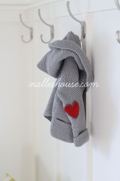 Nalle's House: He Wears His Heart on His Sleeve