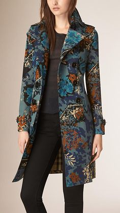 floral desenli gabardin ceket Trajes casuales - The best fashion types in the world fashionlife Burberry Prorsum, Burberry 2015, Trendy Outfits, Trendy Fashion, Womens Fashion, Fashion Trends, Trendy Style, Batik Blazer, Hijab Fashion