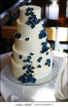 pretty cake- with violets