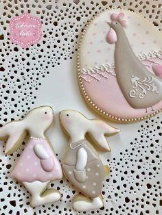 Baby Art Easter Sweets New Ideas Plain Cookies, Fancy Cookies, Iced Cookies, Cute Cookies, Easter Cookies, Cookies And Cream, Holiday Cookies, Cupcake Cookies, Sugar Cookies