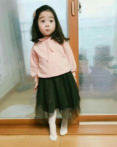 Cute Little Baby Girl, Baby Animals Super Cute, Sweet Girls, Little Babies, Cute Asian Babies, Korean Babies, Cute Babies, Baby Pictures, Baby Photos