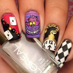 Alice in Wonderland Nail Art Design Alicia en el pais de las maravillas - Alicia a travez del espejo #Nails