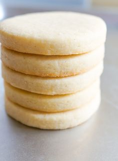 Vanilla Bean Cut-Out Cookies : no-chill, no spread sugar cookie recipe for decorating vanillacookies Sugar Cookie Recipe For Decorating, Cut Out Cookie Recipe, Easy Cookie Recipes, Cookie Decorating, No Spread Sugar Cookie Recipe, Butter Cookie Cutout Recipe, Roll Cookies, Cut Out Cookies, How To Make Cookies