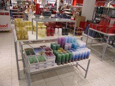 Runsaiden myyntipöytien tavoitteena on tuoda esille tuotteiden koko valikoima.