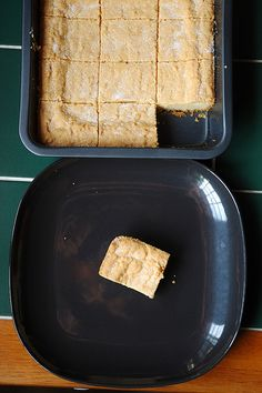 The best shortbread in the world By Jamie Oliver Jamie's Recipes, Sweet Recipes, Cookie Recipes, Yummy Treats, Delicious Desserts, Sweet Treats, Yummy Food, Xmas Food, Christmas Cooking