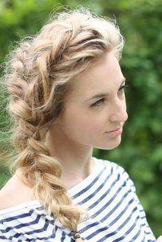 Den pjuskede fletning er en skøn sommerfrisure. #hair #style