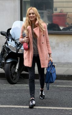 Fearne Cotton Arriving At Bbc Radio 2 In London Winter Outfits, Casual Outfits, Fearne Cotton, Winter Looks, Winter Style, Gamine Style, Campaign Fashion, Celebrity Style Inspiration, Love Her Style