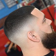Check out these 25 cool buzz cut styles for clean cut and out there looks. Add a taper fade, fade or line up. Or go bold with color or hair designs. Mens Haircuts Short Hair, Short Fade Haircut, Barber Haircuts, Short Hair Cuts, Short Hair Styles, Modern Haircuts, Hairstyles Haircuts, Beard Cuts, Beard Cut Style