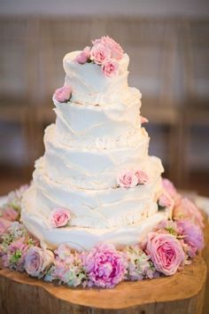 beautiful pink accented cake! Photography by bainesphoto.com/, Event Styling, Decor, Flowers   Venue by cedarwoodweddings...