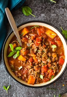 Italian Style Instant Pot Beef Chili - a bean free, paleo friendly chili with robust Italian flavours - ready in 30 minutes! Gluten Free + Dairy Free