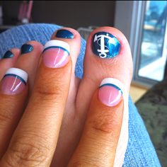 Summer nails a nautical theme for toes, and fingers that looks great!  #nailart  #nails  @hpman