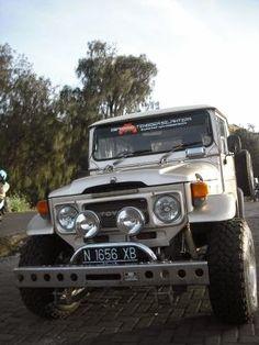 Jasa sewa jeep di bromo murah terbaru ini kami informasikan beserta harganya bagi para pengunjung yang akan berlibur ke wisata gunung bromo