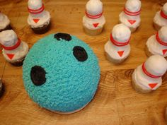Perfect, for the Bowling Party! Bowling Birthday Cakes, 8th Birthday, Birthday Parties, Fun Food, Food Art, Party Party, Party Ideas, Fathers Day Cake, Bowling Party