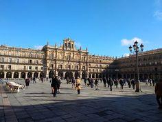 La Plaza Mayor de Salamanca ahora mismo. Día soleado y agradable!