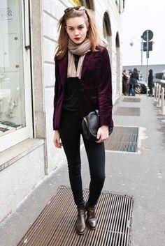 purple velvet blazer! Love the whole outfit