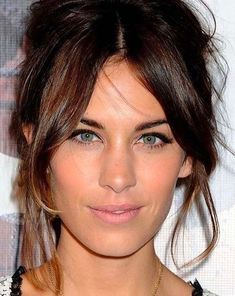 Side Fringe Hairstyles, Middle Part Hairstyles, Hairstyles With Bangs, Layers And Bangs, Layered Hair With Bangs, Thin Wavy Hair, Bangs For Round Face, Curtain Bangs, Haircuts For Long Hair