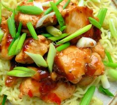 Easy Diet recipe, Chinese Garlic,Ginger & Honey Chicken with Noodles - 200 Calories! Ginger And Honey Chicken, Fresh Ginger, Recipes With Ginger Root, Chinese Garlic, Chinese Chicken, Chinese Food, Fast Food Diet, Asian Recipes, Healthy Recipes