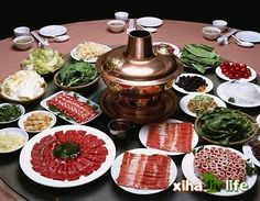 PARTY DECOR & IDEAS -A wonderful idea to prepare an easy and delicious party dinner comes from Chinese New Year's. They celebrate it with a hot pot or fondue!