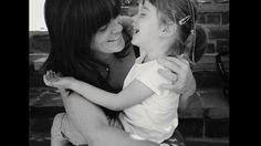 Las mamás más bellas del mundo by Eva Ruiz. Tras leer este artículo http://m.huffpost.com/es/entry/1954978 en el que la autora explica muy bien cómo nos sentimos las mujeres después de dar a luz, me hizo pensar en que, por culpa de mis complejos, mis hijos, y sobre todo mi recién llegada hija, no tendría fotos con su mamá nada más nacer y en sus primeros meses de vida. Al compartirlo en Facebook surgió la idea de hacer algo con fotos de mamás con sus hijos, tuvieran la edad que tuvieran…