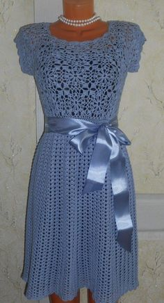 To use a cocktail dress to a more formal occasion, all you need to do is to equip accordingly, possibly wear more flashy pieces of precious jewelry and much he Crochet Summer Dresses, Crochet Lace Dress, Crochet Shirt, Knit Dress, Prom Dress Shopping, Online Dress Shopping, Clothing Patterns, Dress Patterns, Cocktail Gowns