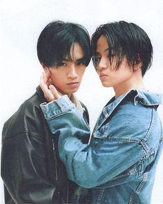 画像に含まれている可能性があるもの:2人 Kento Nakajima, Human Poses, Japanese Boy, Billboard Music Awards, Asian Men, Idol, Guys, Sexy, Reflection