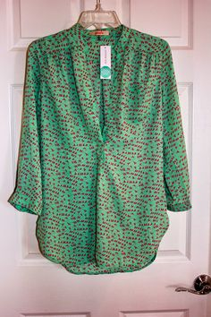 Bird-print blouse - I would love to get this! I think I look pretty in green…