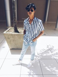 33 men's style trends you should undoubtedly try 10 Casual Outfits, Men Casual, Fashion Outfits, Fashion Trends, Indian Men Fashion, Mens Fashion, Fashion 90s, Blue Striped Shirt Outfit, Indie Men